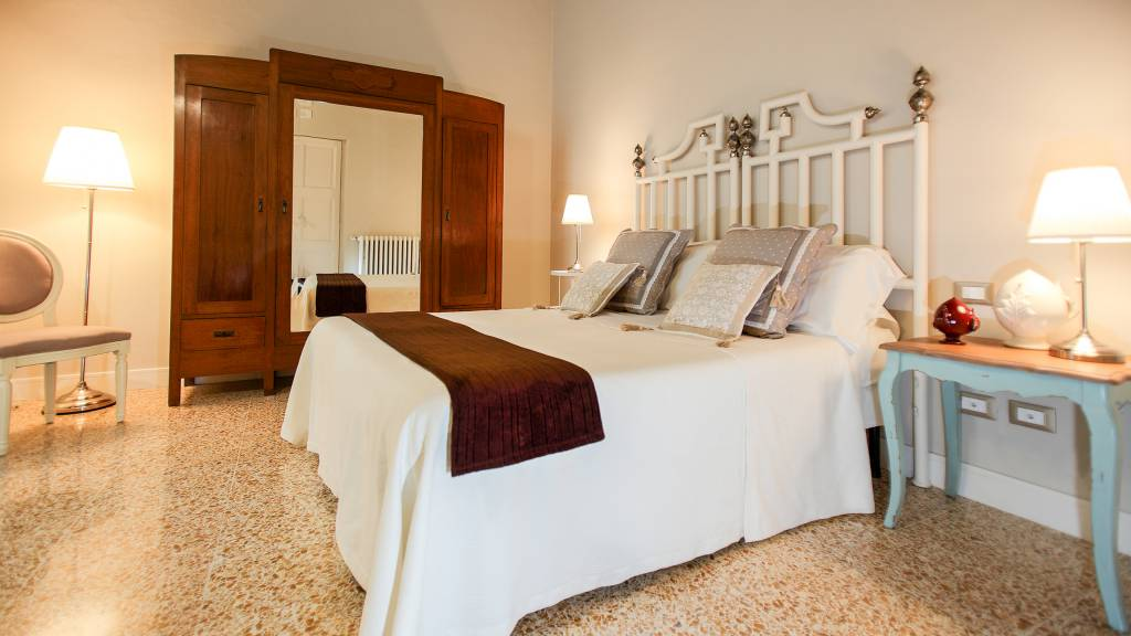 IMG--3285-Bed-and-Breakfast-palazzo-bregante-monopoli